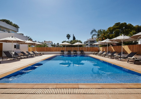 Swimming pool Hotel Casa Vilella Sitges